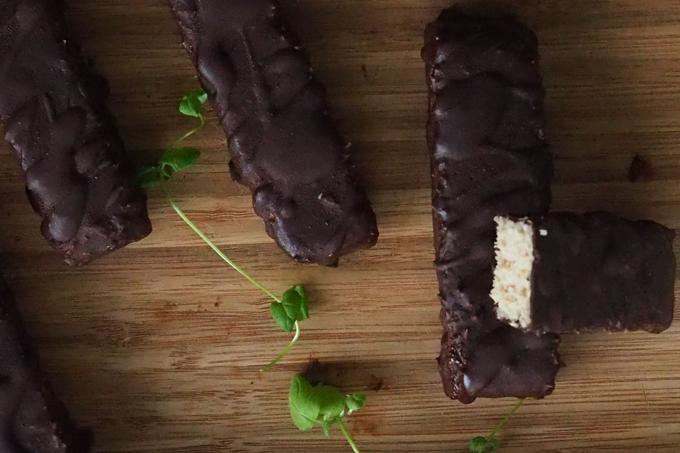 Karita Tykän kookos-suklaapatukat