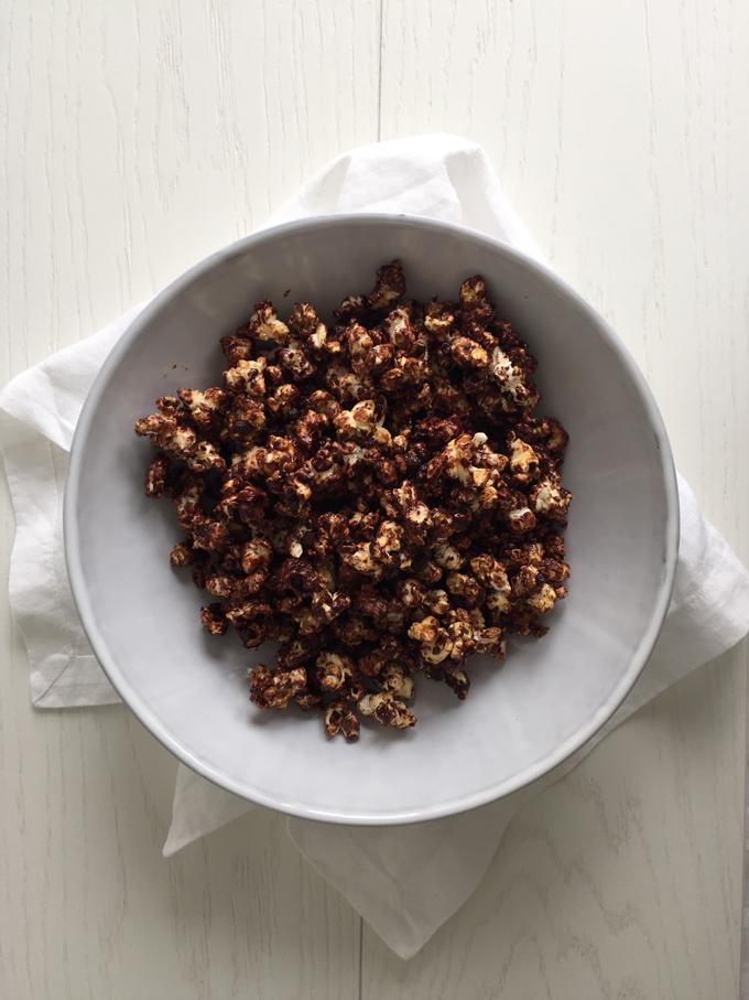 Raakasuklaapopcornit – suolaisen ja makean suloinen combo